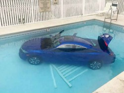 Woman Forgets Park Car Properly It Rolls Back Falls A Pool