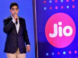 Reliance Jio Talks With Qualcomm Launch Laptops With Sim Car
