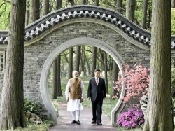 Modi Wuhan Live Pm Modi China President Xi Jinping Informal Meeting Day 2 Boat Ride East Lake