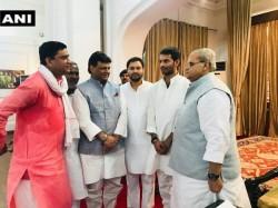 Bihar Tejashwi Yadav Stake Claim Form Government