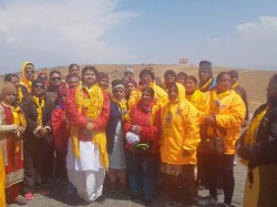 Devotees At Kailash Mansarovar Alleged That Chinese Authorities Not Allowing Them Take Holy Dip Lake
