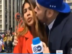Man Fifa 2018 Kissed Female Journalist During Live Reporting Woman Says We Dont Deserve This
