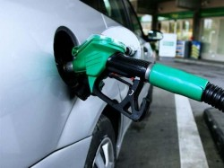 Petrol Rates Down 6th Day Running Diesel Falls 15 Paise After Pause On June