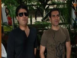 Ipl Betting Scandal After Arbaaz Khan Bookie Sonu Jalan Names Filmmaker Sajid Khan In Betting Case