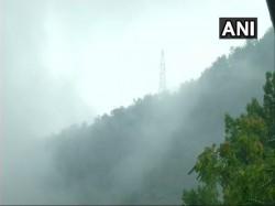 Heavy Rainfall Kashmir Has Prompted The Authorities Halt The