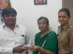 Auto Driver Returns 4 Lakh Rupees Heart Patient