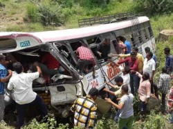 Rtc Bus Fell Into Gorge Near Kondagattu Jagtial Telangana