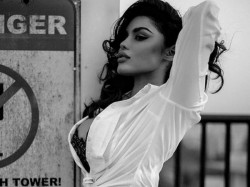 Bigg Boss 9 Star Gizele Thakral Blast New Bold Pic