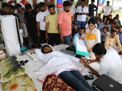 Fight Don T Fast Said Udhdhav Thakrey Hardik Patel