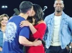 Priyanka Chopra Share Kiss With Fiancee Nick Jonas On His
