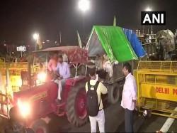 Kisan Kranti Padyatra Ends At Delhi S Kisan Ghat