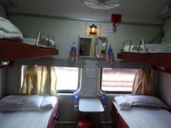 Passengers Stole Bedsheets Towel Blankets From Trains Worth Of Crores Railway Suffer Huge Loss