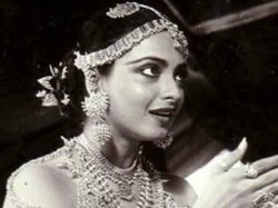 Here Is How Bold Scene Shooted Rekha