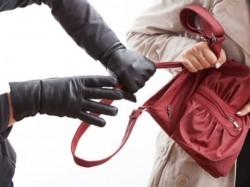 Man Jaipur Recruited Jobless Men Robbing Mobile Phones