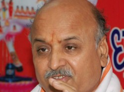 Pravin Togadia Says Dont Vote Bjp Attack Pm Modi Mohan Bhagw