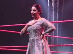 After Rakhi Sawant Arshi Khan Perform Wrestling Ring At Cww
