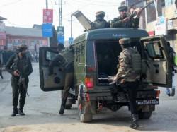Encounter Breaks Between Security Forces Terrorists In Redwani Kulgam Jammu Kashmir