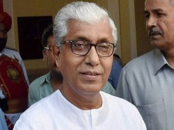 Former Tripura Cm Manik Sarkar S Convoy Attacked Cpm Blaims Bjp