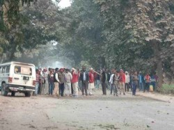 Stone Pelting On Policemen Ghazipur After Pm Modi Rally