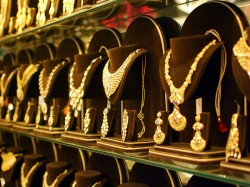 Gold Rate Up Rs 170 On Friday Whereas Silver Rise High Rs