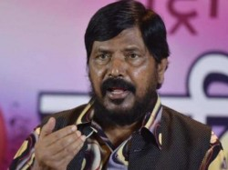 Union Minister Ramdas Athawale Slapped A Person At An Event
