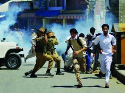 Jammu Kashmir 6 Civilians Killed Pulwama Clashes Situation Tensed Encounter