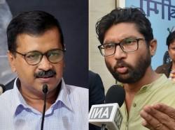 Delhi Cm Arvind Kejriwal Targetes Modi Govt Over 10 Percent Reservation Jignesh Mevani