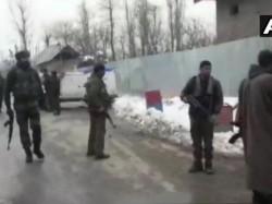 Jammu Kashmir Terrorists Grenade Attack Police Station Kulgam