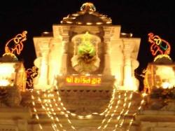 Ambaji Temple Gujarat Devotee Donates 2 25kg Gold