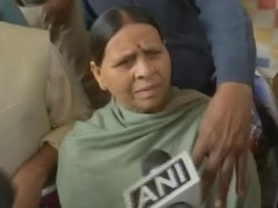 Rabari Devi Says Mulayam Singh Is An Old Man Now He Does Not Remember
