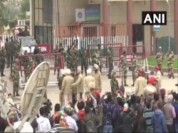 Abhinandan Returned Home People Are Crazy Welcome Him