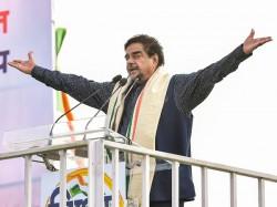 Shatrughan Sinha Attacks Pm Modi And Amit Shah Over Lk Advani Snub