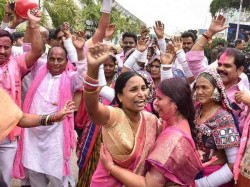 Woman Stopped Ktr During Road Show He Announced To Give Flat