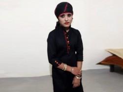 Harassed By Lover 20 Year Old Married Woman Hangs Herself To Death In Muzaffarnagar