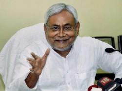 Nitish Kumar Big Allegation Lalu Yadav Makes Strategies On Phone Being In Jail