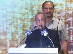 Pranab Mukherjee Says Quixotic Heroism Can T Lead This Nation