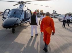 Lok Sabha Elections 2019 Who Is This Baba With Akhilesh Yadav
