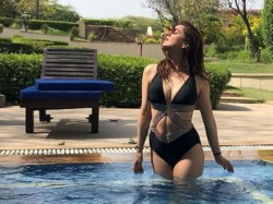 Shraddha Arya New Hot Bikini Pic Viral On Social Media