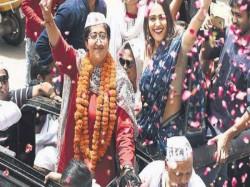 Unlucky Swara Bhaskar Campaingning For Those All Defeated See Delhi Bihar