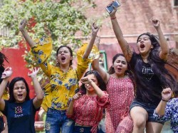 Cbse 12th Result 2019 Hansika Shukla And Karishma Arora Have Topped Cbse Class 12 Exams