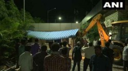 Praja Vedika Building Being Demolished In Amaravati It Was Constructed By Chandrababu Naidu