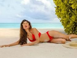 Karishma Sharma Once Again Shared Bikini Pics Watch Alone