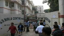 West Bengal Girl Found Dead In Bathroom Of The School