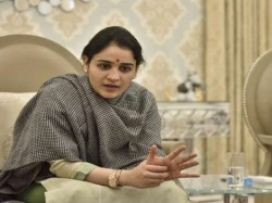 Mulayamsingh S Daughter In Law Aparna Yadav Attacks Mayawati For Her Comment On Sp
