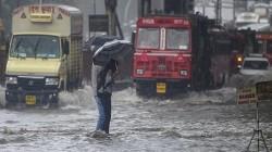 Mumbai Mahalaxmi Express Carrying 2000 Passengers Stuck In The Rain