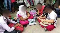 Unnao Rape Case Family Of Victim Sitting On Protest