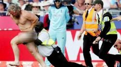 Eng Vs Nz Match Streaker Runs Out And Interrupts Match Watch Video
