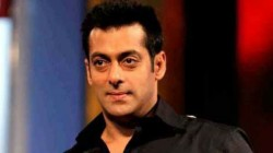 Salman Khan Decides To End Speculation Around His Girlfriend Marriage Date See Video