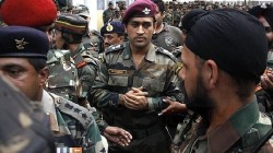 Dhoni Arrived Kashmir With Indian Army Watch Pics