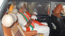 Up Bjp President Swatantra Dev Singh S Finger Got Injured